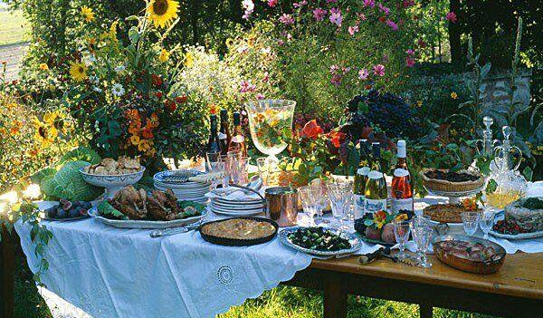estate-cena-in-giardino