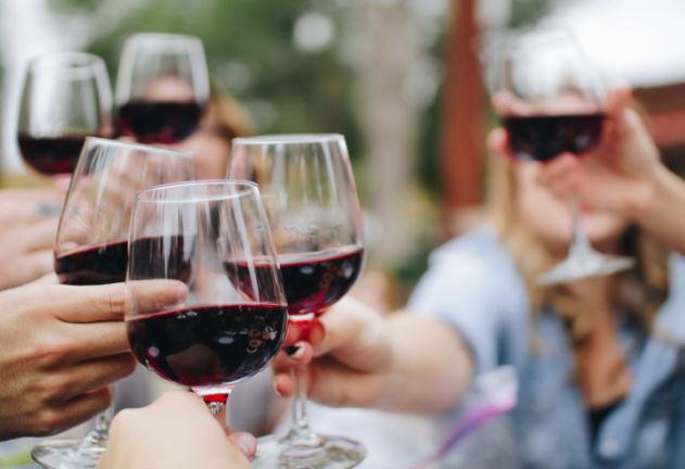 anna ubaldeschi wine etiquette
