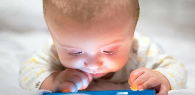 cellulari e tablet ai bambini fanno male